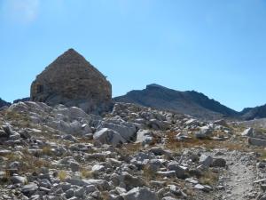 The Sierra Club hut on John Muir Pass looms above us